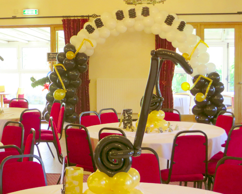Piano balloon arch