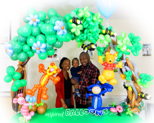 Winne the Pooh balloon table arch