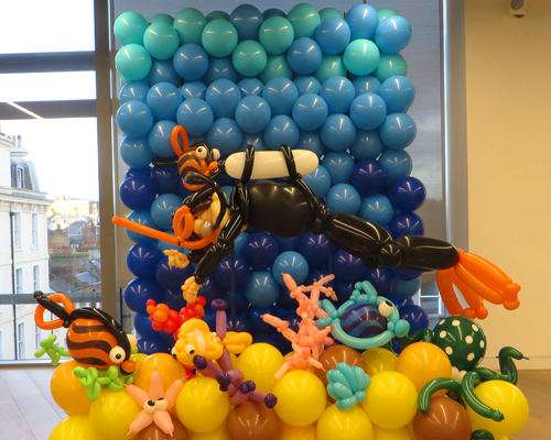 Balloon sea wall